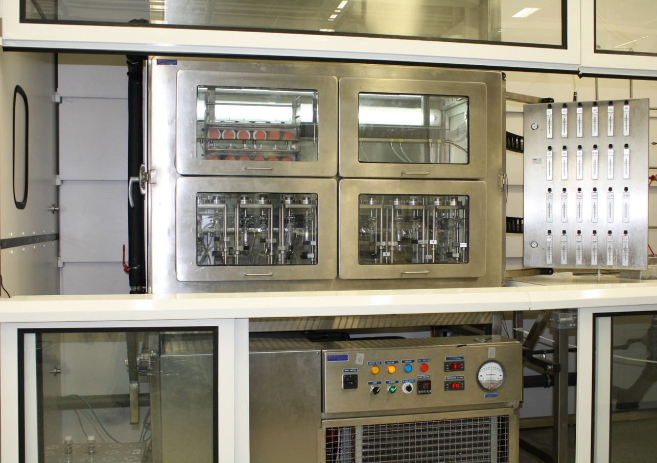 Climatic chamber for static permeation tests for Protective clothing and polymeric material